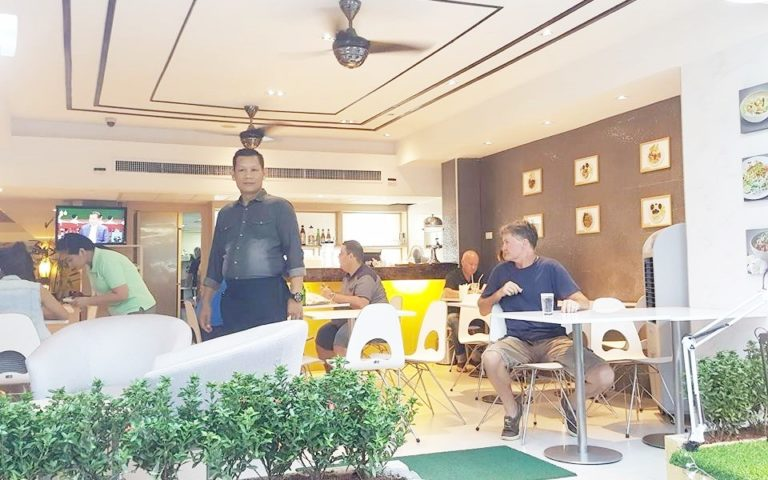 Petals Inn : Cafe Vienna