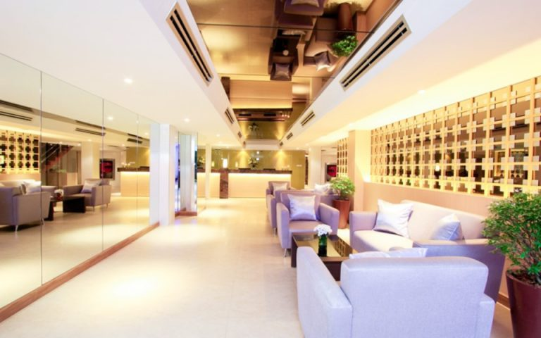 Petals Inn : Lobby